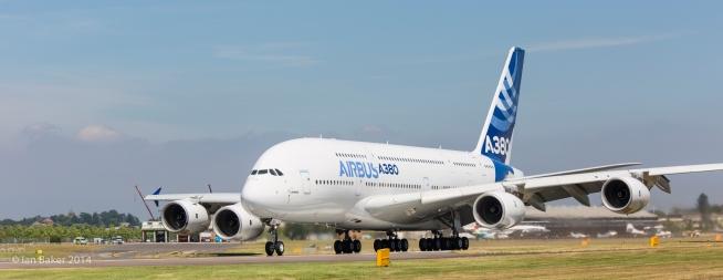 Airbus A380 (1)