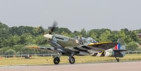 Supermarine Spitfire Tr.Mk (1)